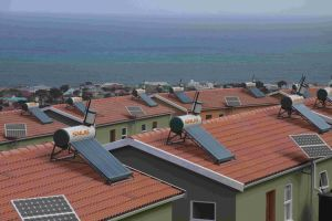 Domestic Good Quality Solar Water Heater Project with CE pictures & photos