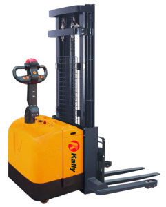 4.5m Triple Mast Electric Stacker with Full Free Lift pictures & photos