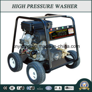 2200psi Key-Start Diesel Engine Pressure Washer (HPW-CK1560) pictures & photos