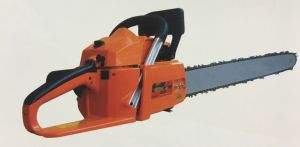 62cc Gasoline Chainsaw Gas Saw with Petrol Engine 6200 Power Tools pictures & photos