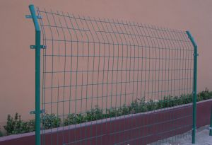 Low Price Bilateral Wire Fence Factory pictures & photos