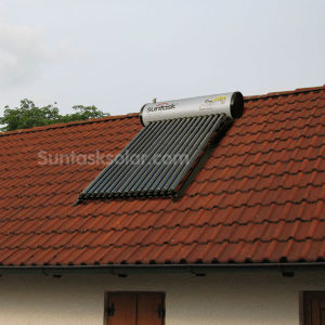 Compact Heat Pipe Solar Water Heater Solar Home System (STH-300L) pictures & photos