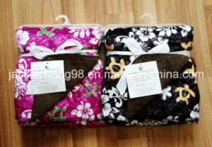 Printed Micro Mink and Solid Color Sherpa Baby Blanket (OV001) pictures & photos