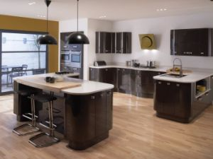 Popular Style High Glossy Lacquer Finish on MDF E1/E0 Kitchen Cabinets pictures & photos