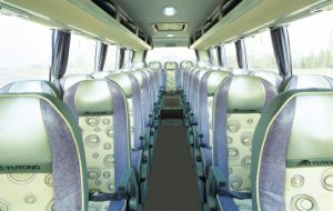 Long-Distance Coach Medium Type 9-10m 33+1+1seats pictures & photos