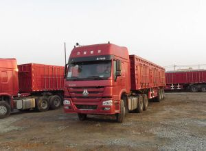 Sinotruk HOWO 7 371HP 6X4 Container Truck for Container