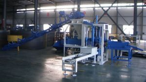 Semi-Automatic Small Concrete Block Machine (QT3-15) pictures & photos