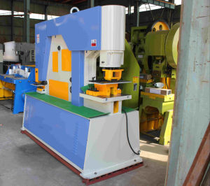 Machinery Sales on Line of Huafeng Brand Q35y-30 Hydraulic Iron Worker pictures & photos