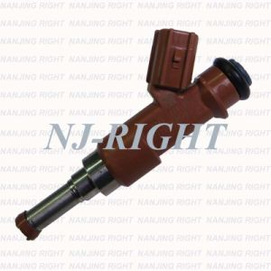 Denso Fuel Injector 23250-0p040 for Toyota Camry pictures & photos