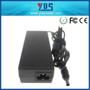 Laptop AC/DC Adapter for Samsung 19V 3.15A 5.5*3.0 mm pictures & photos