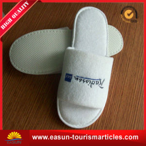 New Nonwoven Non-Skid Disposable Terry Hotel Slippers for in-Flight pictures & photos