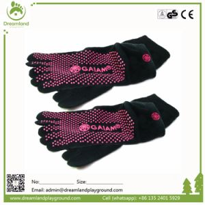 Wholesale Custom Trampoline Grip Socks pictures & photos