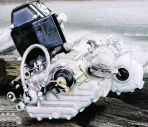 China Bajaj Rickshaw Engine and Engine Spare Parts pictures & photos