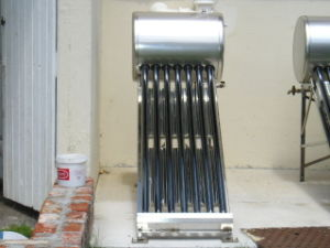 Low Pressure Solar Water Heater pictures & photos