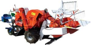 Small Rice and Wheat Combine Harvester (4LD-130) pictures & photos