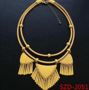 New Design Fashion Jewelry Triangle Tassels Silicone Necklace Short Necklace