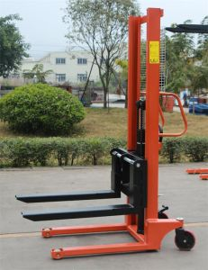 2015 Newest 2000kg Adjustable Manual Hand Hydraulic Stacker pictures & photos