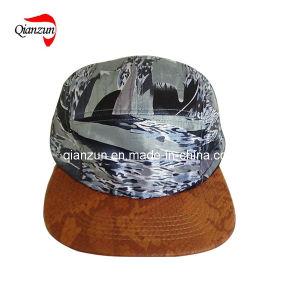 Custom Snake Leather Brim 5 Panel Baseball Caps pictures & photos