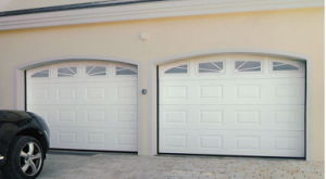 Residential Automatic Garage Door (40mm thick) pictures & photos