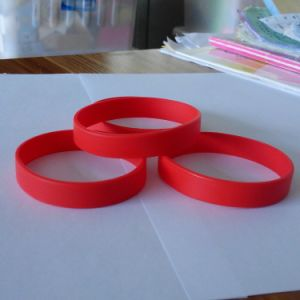 High Quality Personalized Printed Silicone Bracelets for Promotion pictures & photos