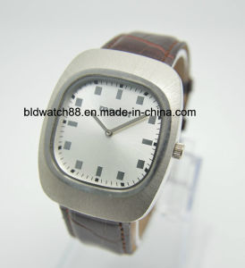 Swiss Movement Square Case Stainless Steel Leather Watches for Men pictures & photos