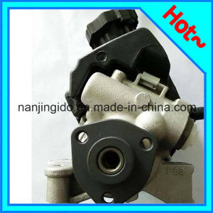 Auto Parts Steering Pump for Mercedes Benz 0024667501 pictures & photos