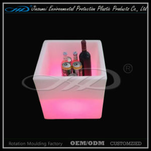 Factry plastic Cube LED Container for Beer Storage pictures & photos