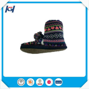 Cheap Wholesale Cable Knitted Warm Winter Boots with Pompoms pictures & photos