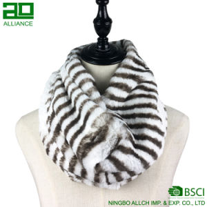Fashion Woven Faux Fur Scarf pictures & photos