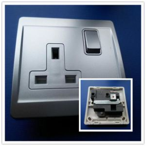 13A Electrical Screwless Switch Socket with Silver Color