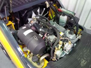 Un 2.5t LPG/Petrol Forklift pictures & photos
