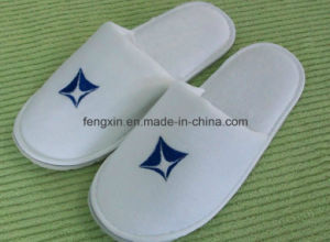 Closed Toe Disposable Hotel Slipper pictures & photos