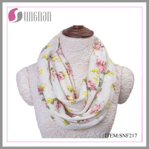 High Quality Comfortable Rose Flannel Infinity Scarf (SNF217) pictures & photos