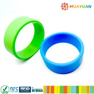 125kHz Hitag 2 Wearable RFID Silicon armband for swimming pool pictures & photos