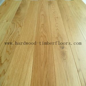 Foshan Factory Natural White / Red Oak Wood Flooring pictures & photos