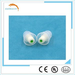Hot Sale Protective Popular Soundproof Silicon Earplugs for Music pictures & photos