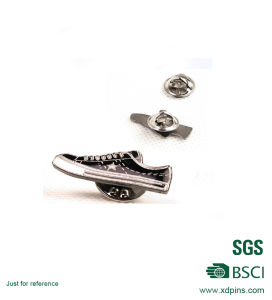 Metal Hard Enamel Shoes Shaped Lapel Pin for Promotion Gift pictures & photos