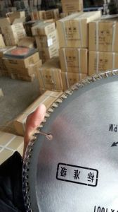 Standard Saw Blade for Cutting Wood pictures & photos