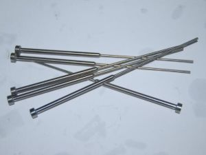 Shoulder Ejector Pin with Cylindrical Head pictures & photos