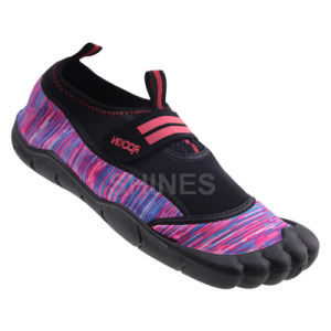 Five Finger Aqua Surfing Shoe for Men pictures & photos