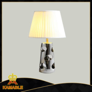 Modern Steel Ceramic Fabric Bedside Table Lamp (KADXT-775869) pictures & photos