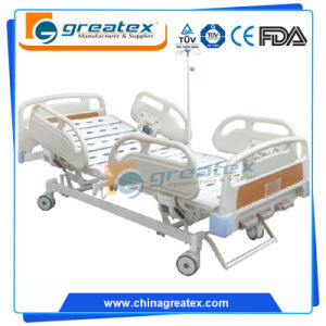 2-Crank Manual Hospital Bed with ABS Guard Bar pictures & photos