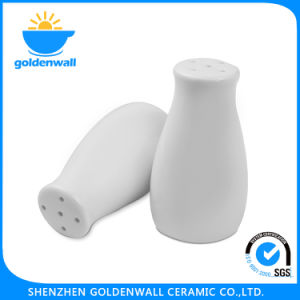 7cm Height White Porcelain Shaker for Salt and Pepper pictures & photos