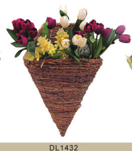 Home and Garden Decorative Rustic Rattan Wall Hanging Flower Planter pictures & photos