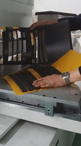 Touch Screen Operation Die Cutting Machine pictures & photos