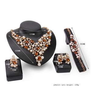 Pearl Crystal Fashion 4 PCS Set Necklace Earrings Jewelry pictures & photos