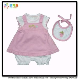 Soft Cotton Baby Clothes Dress Match Bib Baby Gift Sets pictures & photos