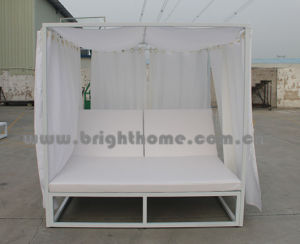 Outdoor Beach Sun Lounge with Tent Aluminium Sunbed pictures & photos