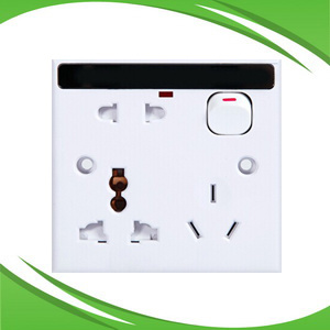 WiFi IP 720p DVR Wall Plug Socket Hidden CCTV Camera with Two-Way Audio and Dual Stream pictures & photos