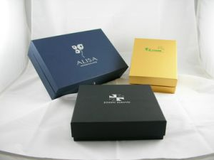 Dress Shirt Box for Women Clothes Packing Paper Gift Boxes pictures & photos